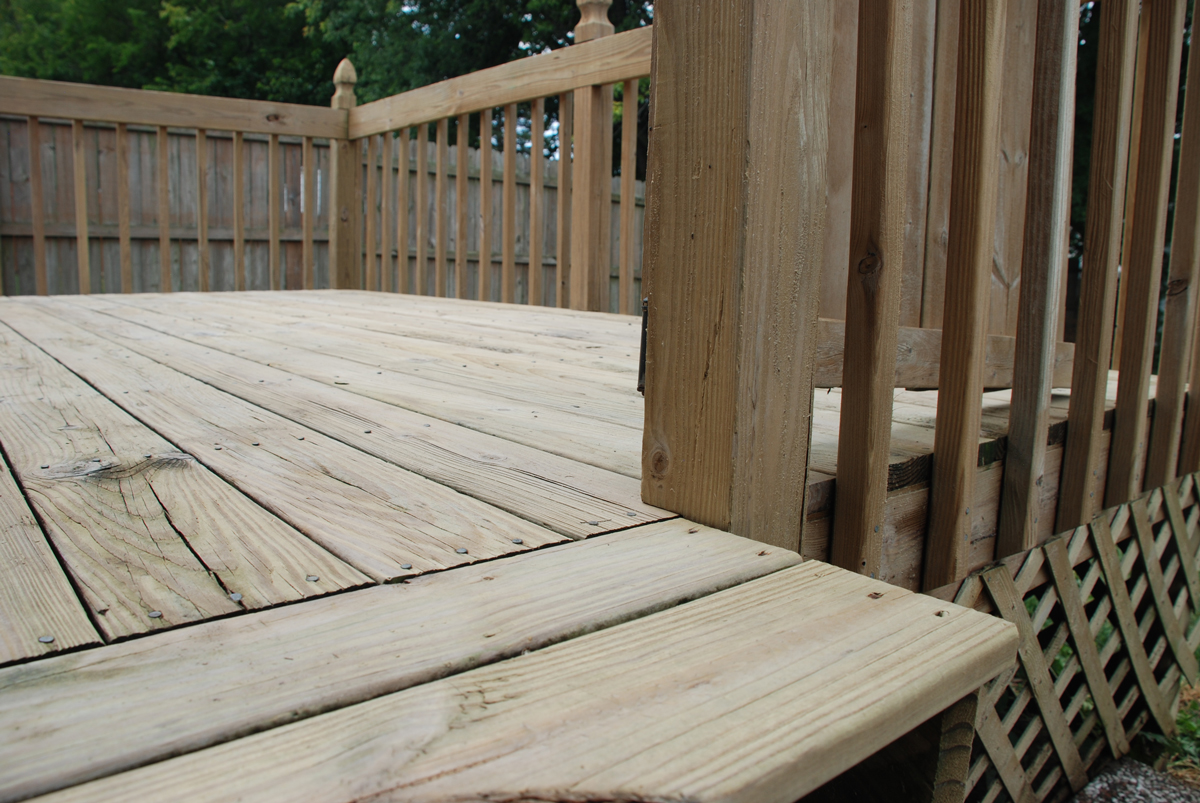 How to Prepare the Deck for Staining