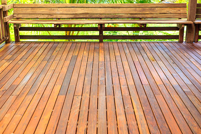Staining-a-New-Deck-vs-Old-Deck